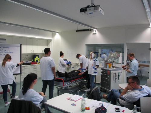 ACLS Provider 27.-28.01.2020 Fachweiterbildung Intensiv- und Anästhesiepflege Gruppe 1